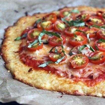 Květáková křupavá pizza